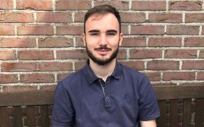Un stagiaire de teste l'éthique du recouvrement : rencontrez Tim Deboes